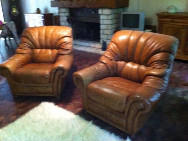 Donne 2 fauteuils marron